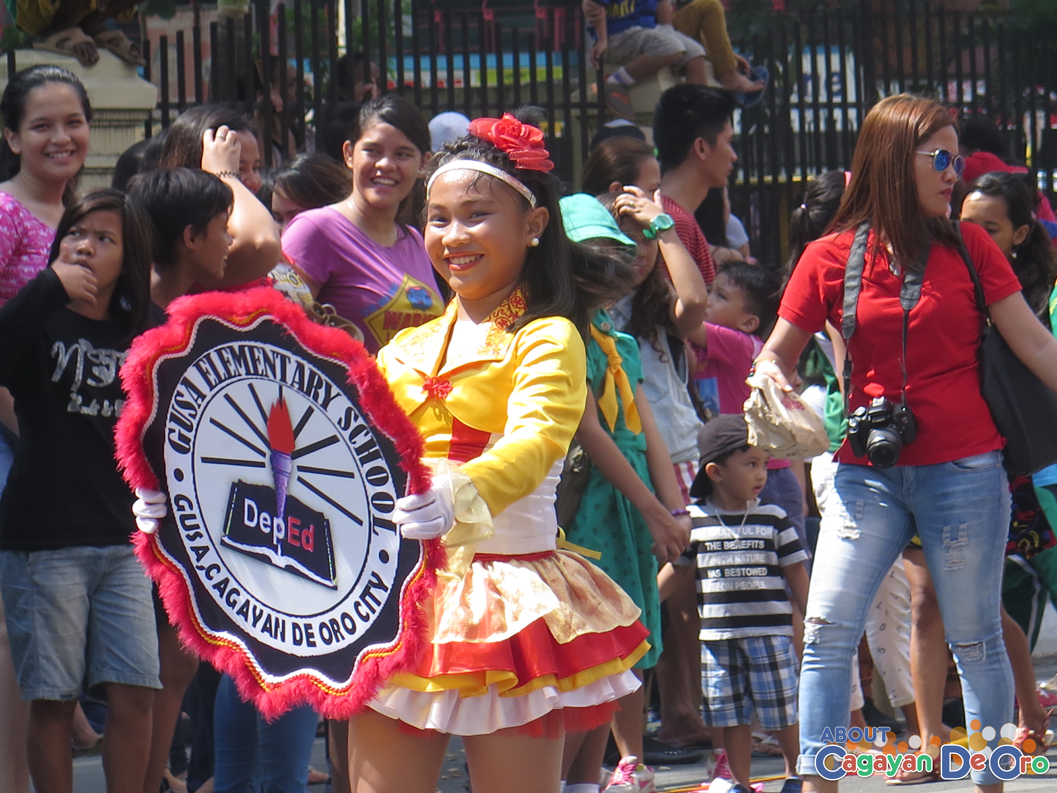 Gusa Elementary School at Cagayan de Oro The Higalas Parade of Floats and Icons 2015