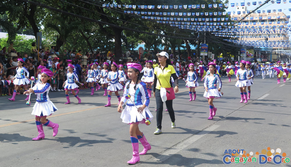 Kauswagan Central School at Cagayan de Oro The Higalas Parade of Floats and Icons 2015