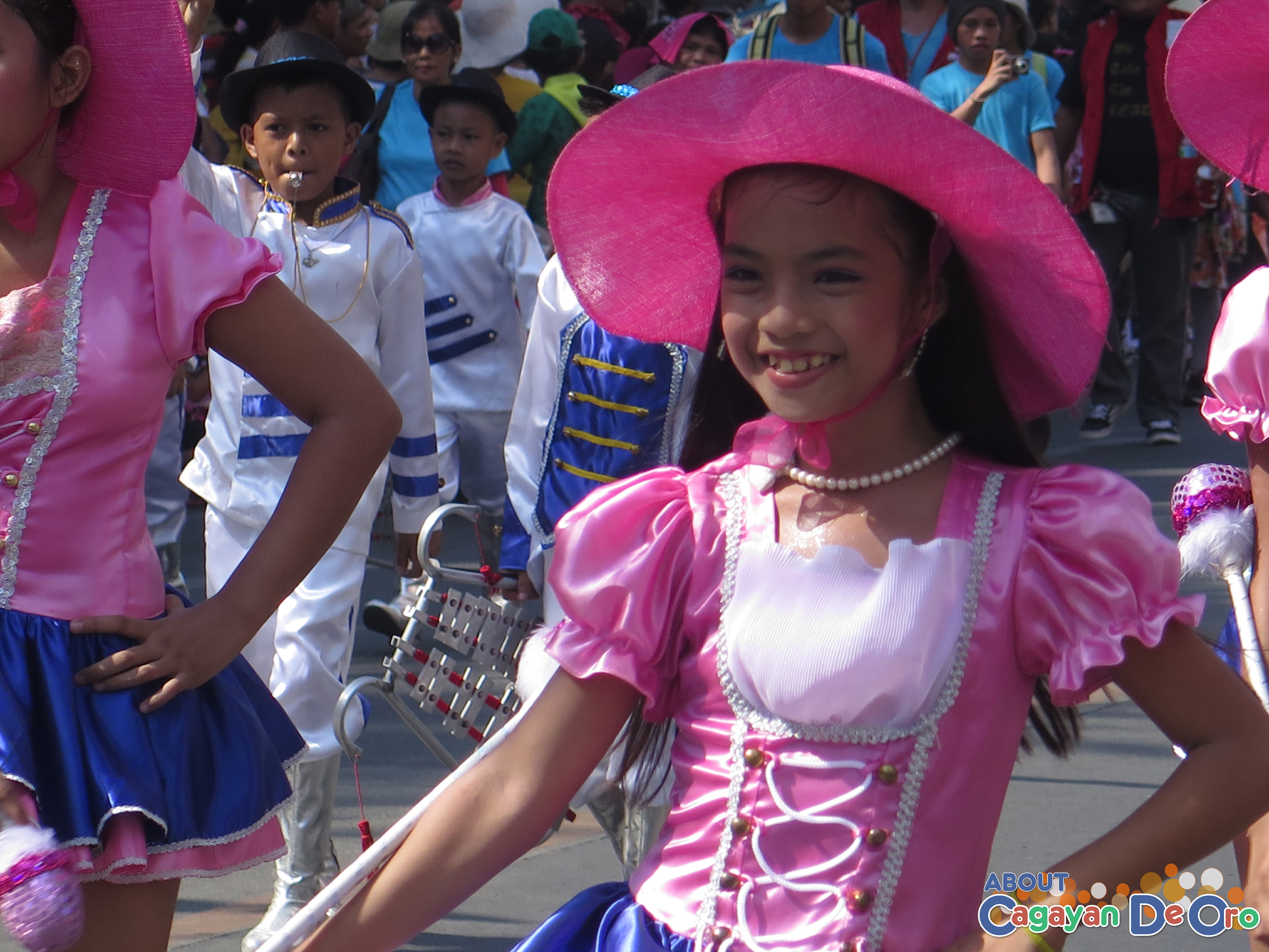 Tablon Elementary School at Cagayan de Oro The Higalas Parade of Floats and Icons 2015