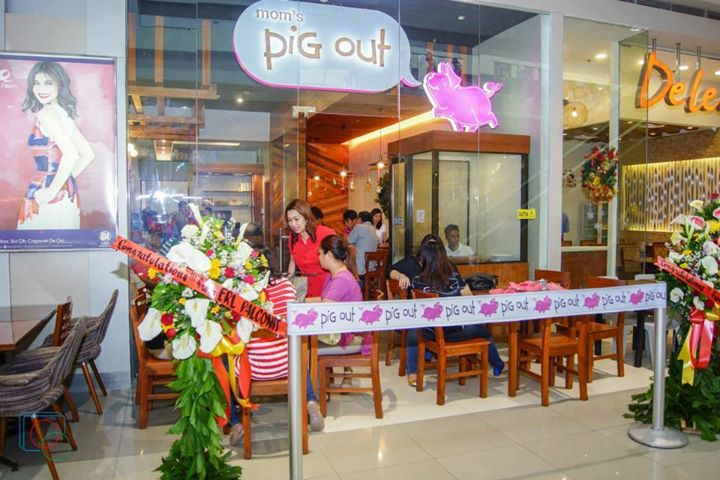 mom's pig out store