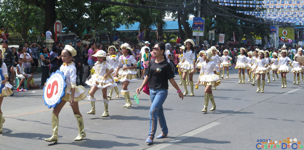 Bayabas Elementary School at Cagayan de Oro The Higalas Parade of Floats and Icons 2015