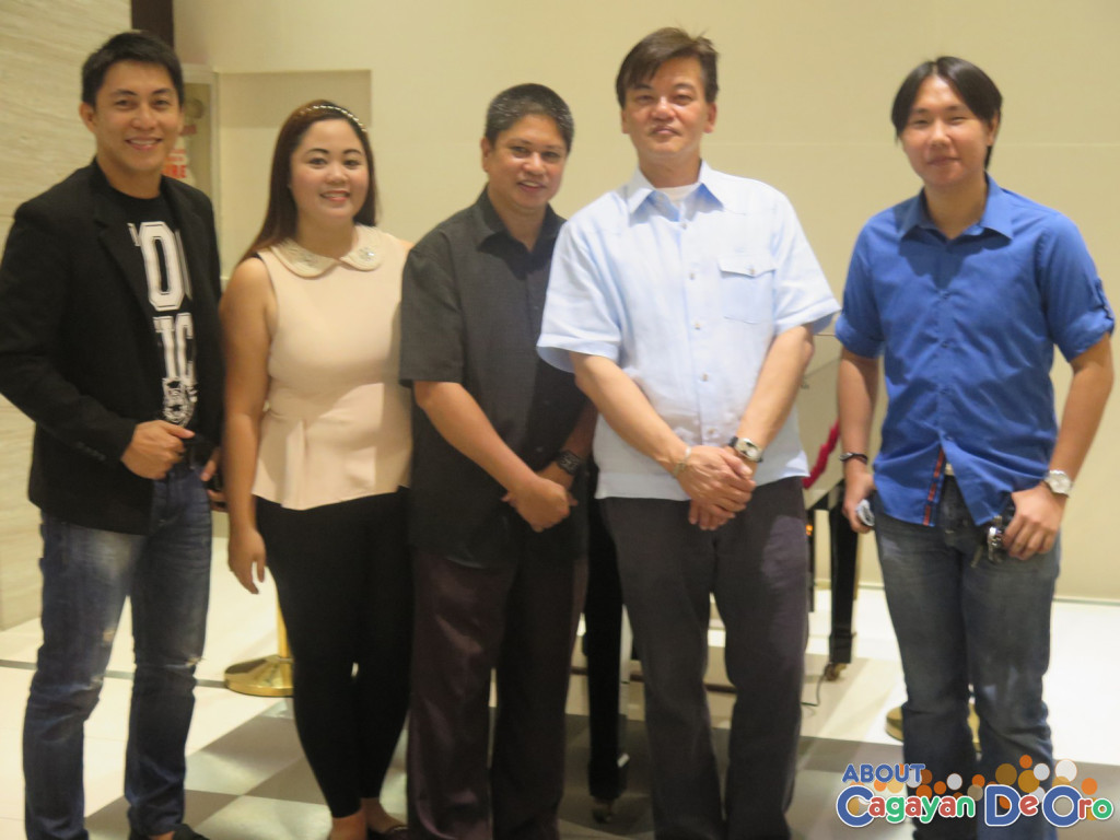 Acadeo Team with General Manager