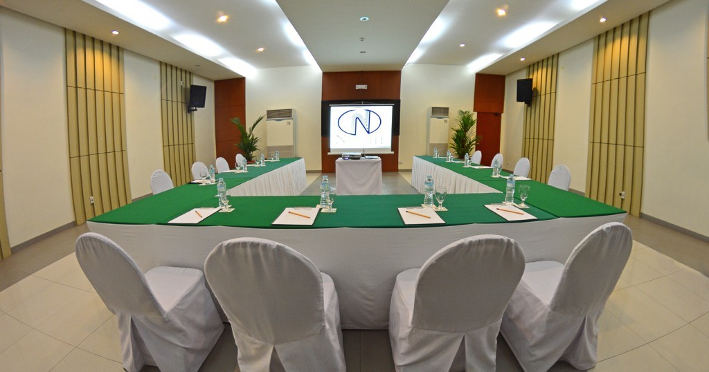 nhotel meeting room