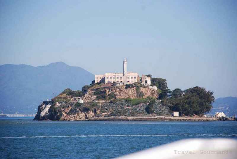 alcatraz prizon Alcatraz island (/ ˈ æ l k ə ˌ t r æ z /) is located in san francisco bay, 125 miles (201 km) offshore from san francisco, california, united states the small.