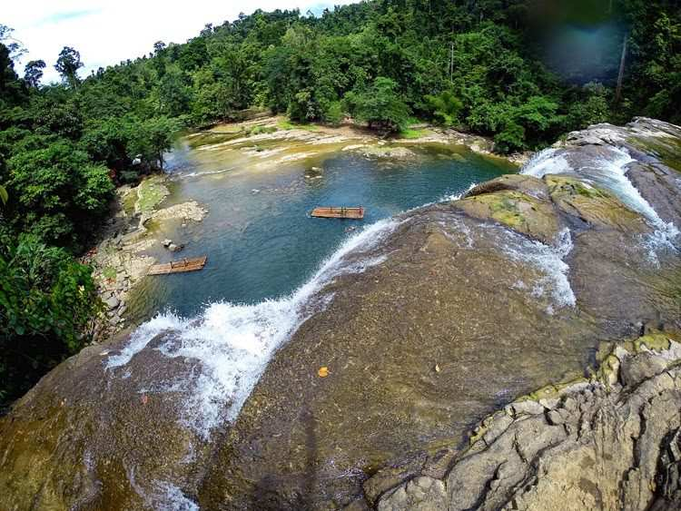 Freshen Up Your Mind and Soul at Tinuy-an Falls