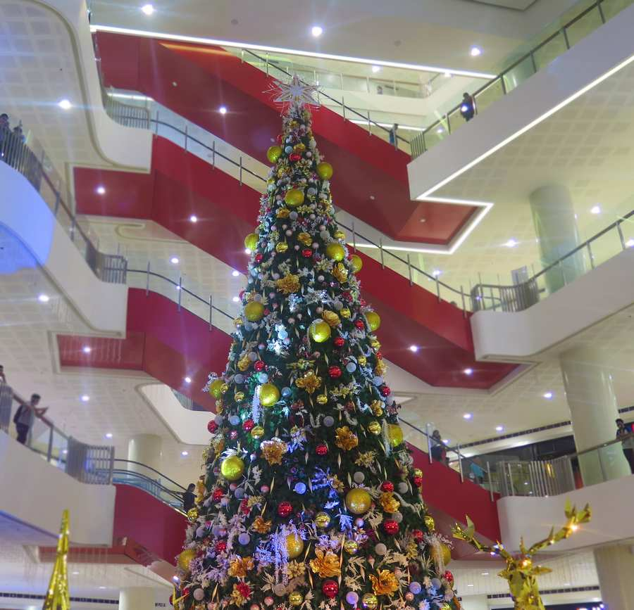 SM CDO Downtown Premier Lights Up The Tallest Christmas