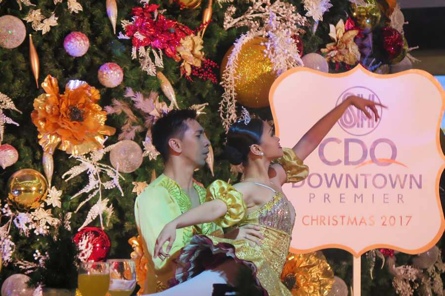 SM CDO Downtown Premier Lights Up The Tallest Christmas Tree In CdeO