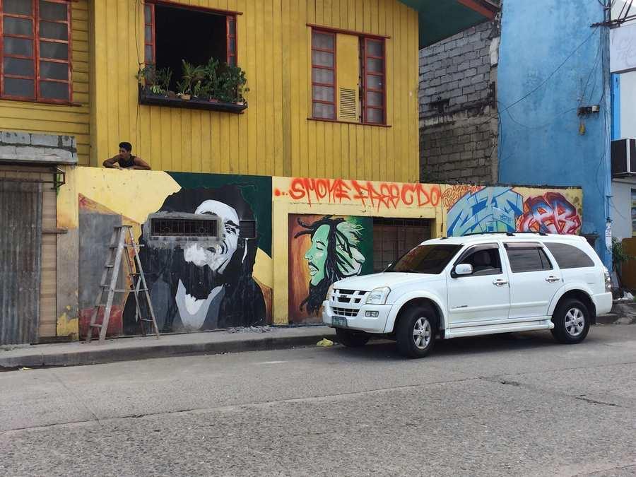 Bob Marley Grafiti Alogn Corrales Avenue